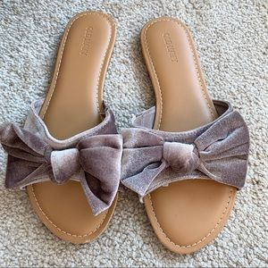 Old Navy Bow tie Sandals